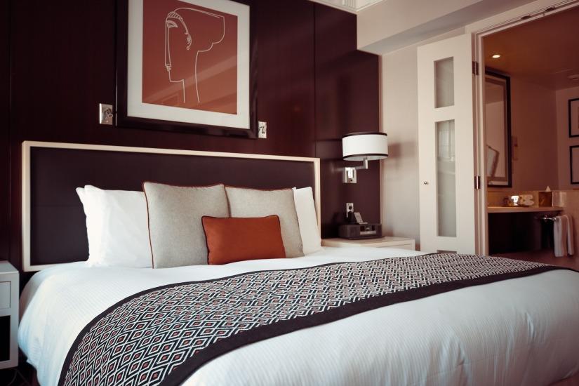 hotel-room-1447201_1920 copy